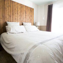raamdecoratie in slaapkamer