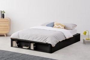 zwart-bed-in-de-slaapkamer