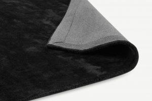 zwart-vloerkleed-slaapkamer